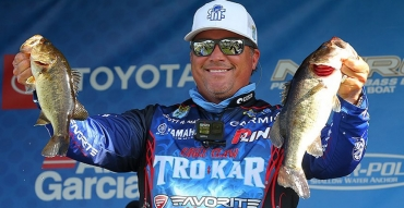 Sight Fishing for Bass on the Bed with pro angler Scott Martin