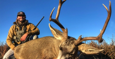 Desert Mule Deer Hunting with Stephen West